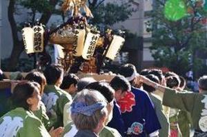 氷川神社例祭「おみこし担ぎました!」
